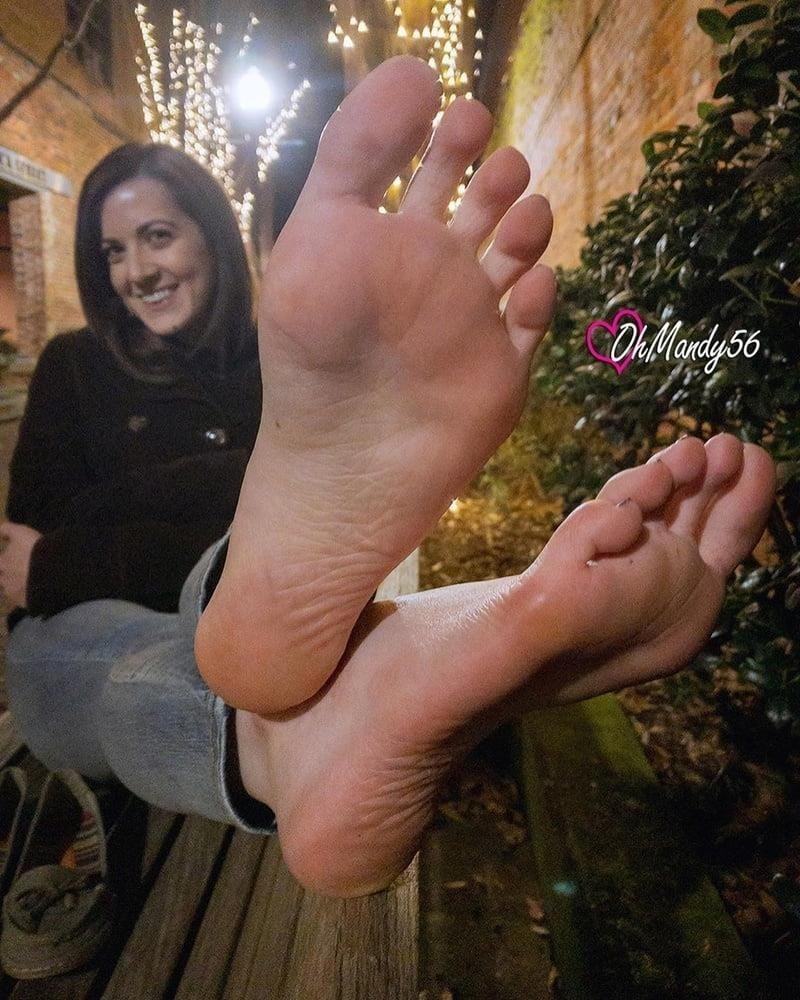 Beautiful feet babes-1720
