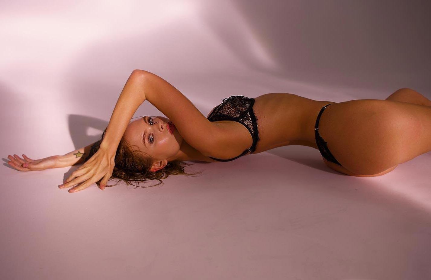 Анастасия Щеглова в сексуальном нижнем белье God Save Queen / фото 06