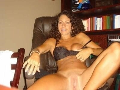 Free brunette milf pics-6644