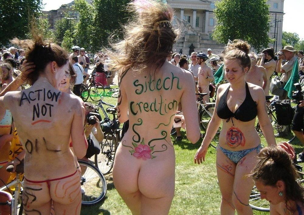 Latina public nude-9953