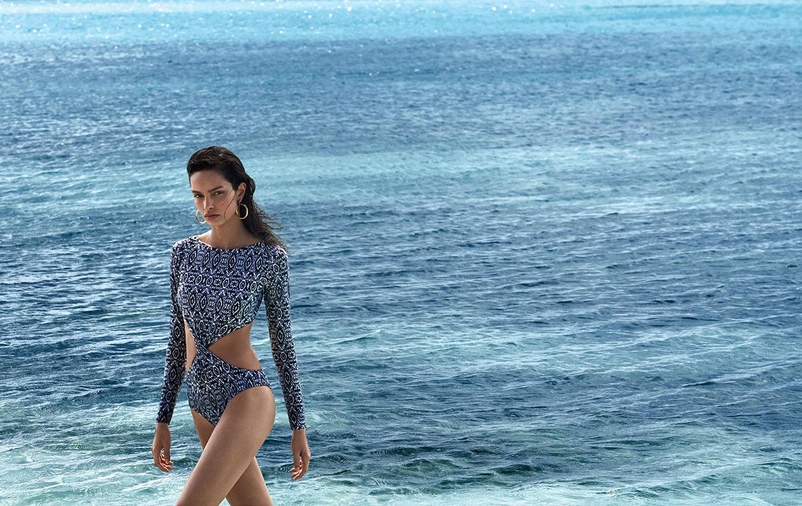Лума Гроте в купальниках и пляжной одежде модного бренда Cia Maritima / фото 15
