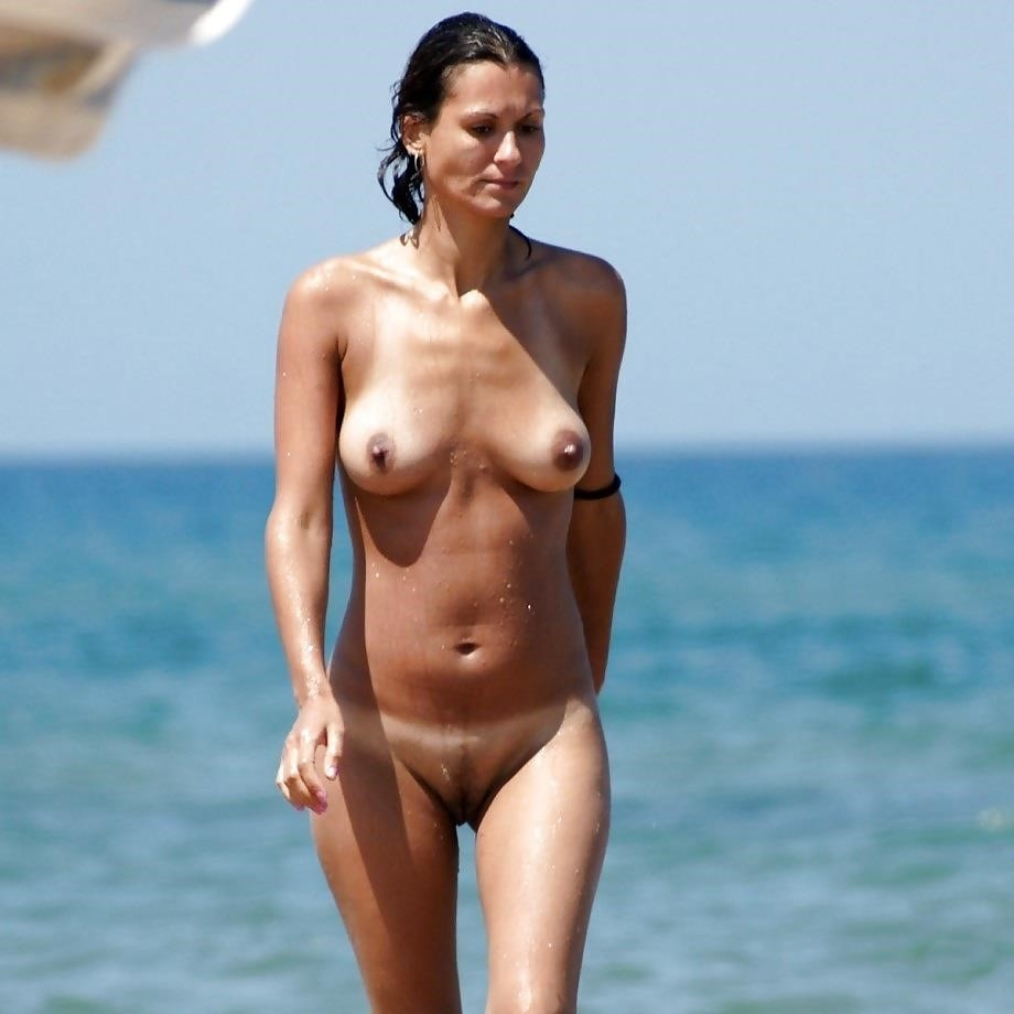Natural tits on the beach-5001