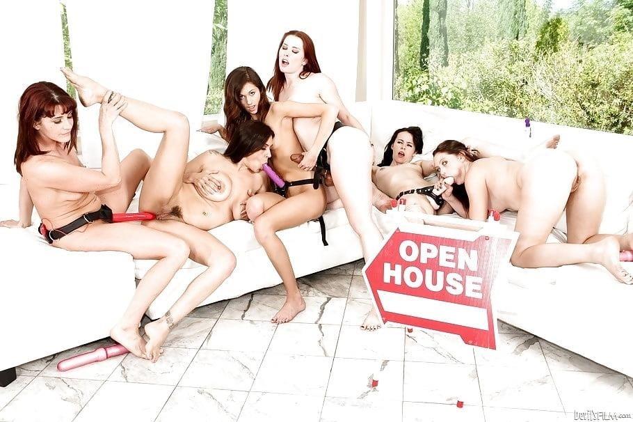 Lesbian strapon dirty talk-8139