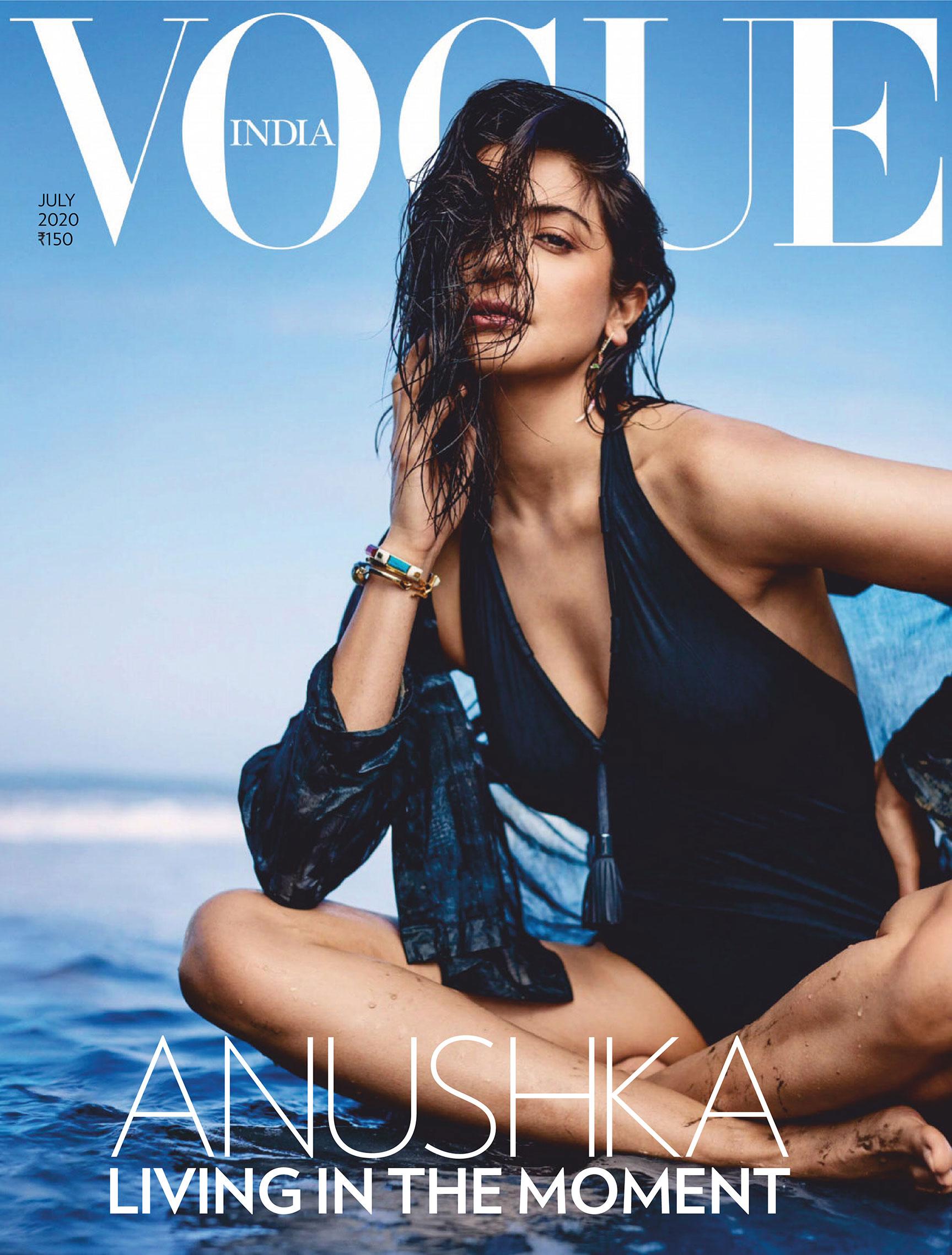 Анушка Шарма в новинках модных брендов на побережье Гоа / фото 11