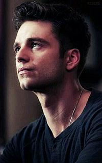 Sebastian Stan RCqf9ILZ_o