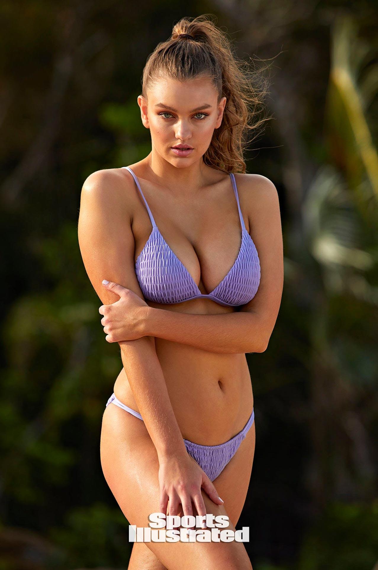 Оливия Брауэр в каталоге купальников Sports Illustrated Swimsuit 2020 / фото 17