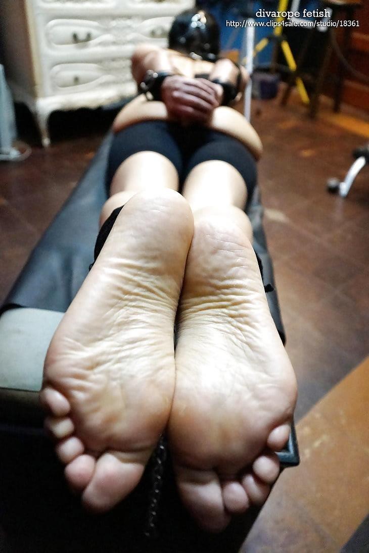 Bondage tickle feet-7621