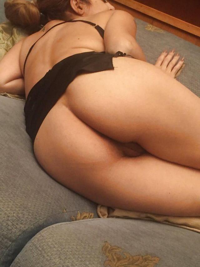 Fit milf nude pics-8884
