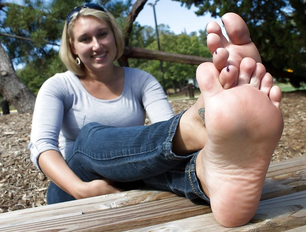 Young foot porn-1736