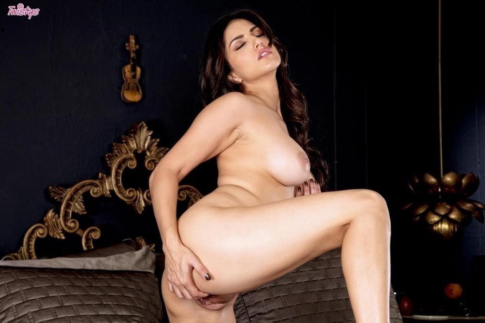 Sunny leone nude selfie-5307