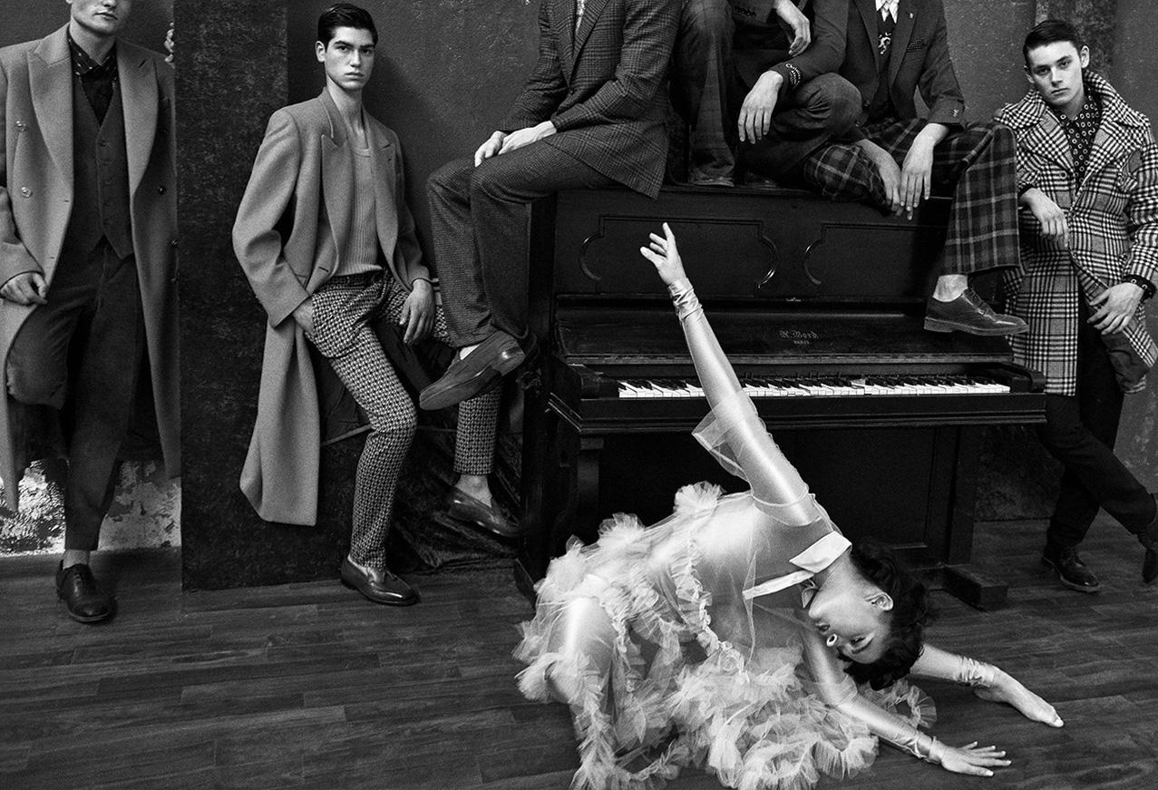 Diva - Crystal Renn by Branislav Simoncik / Vogue Portugal september 2018