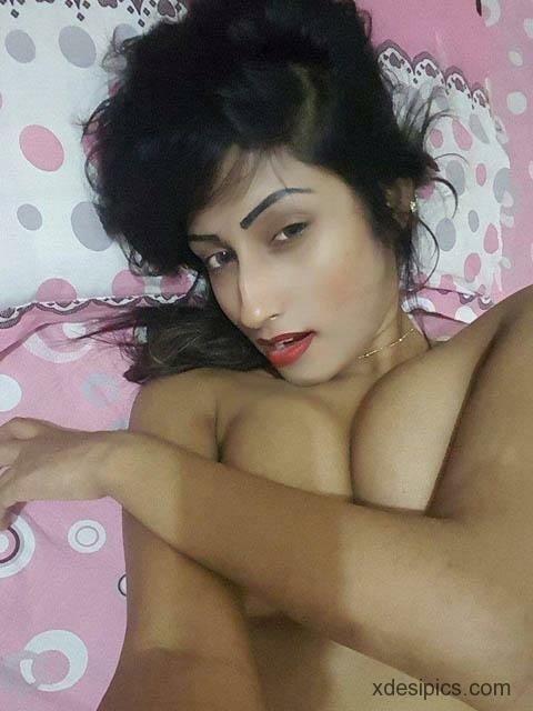 Sexy girl kissing sexy girl-5956