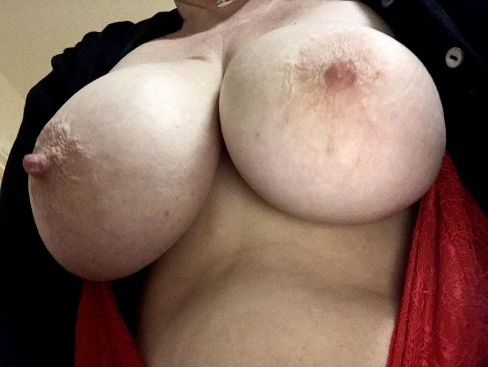 Lesbian big tit pic-8514