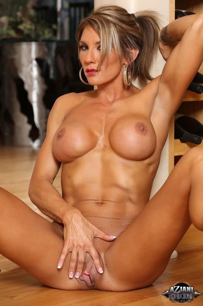 Naked women cunnilingus-5179