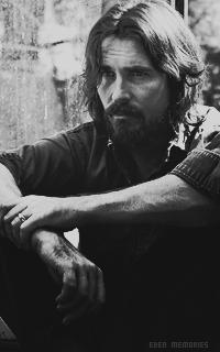 Christian Bale - Page 2 7ybf54sK_o