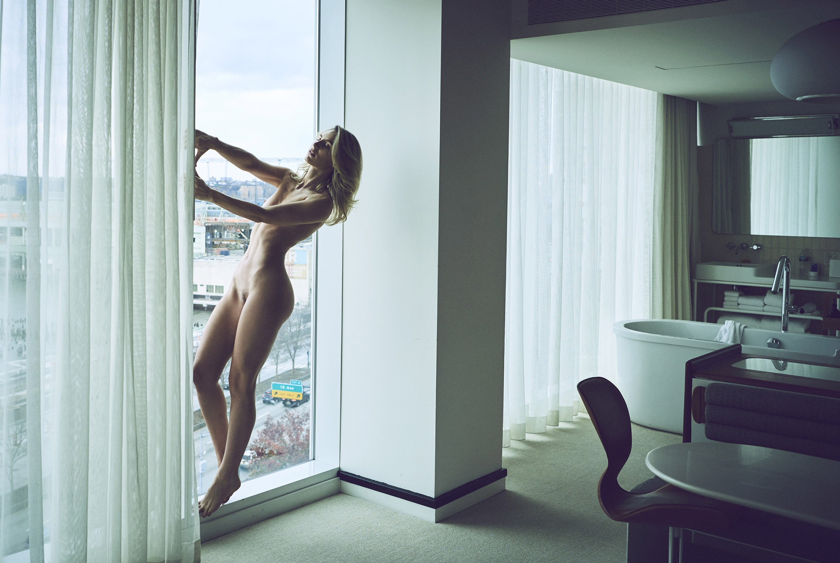 Lauren Bonner nude in New York by Stefan Rappo - The Forest Magazine / Highline