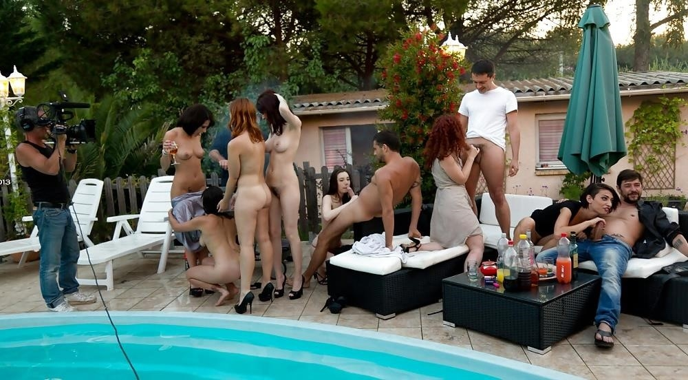 Porn outdoor group-2370