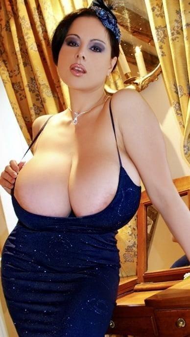 Sucking big sexy boobs-4578