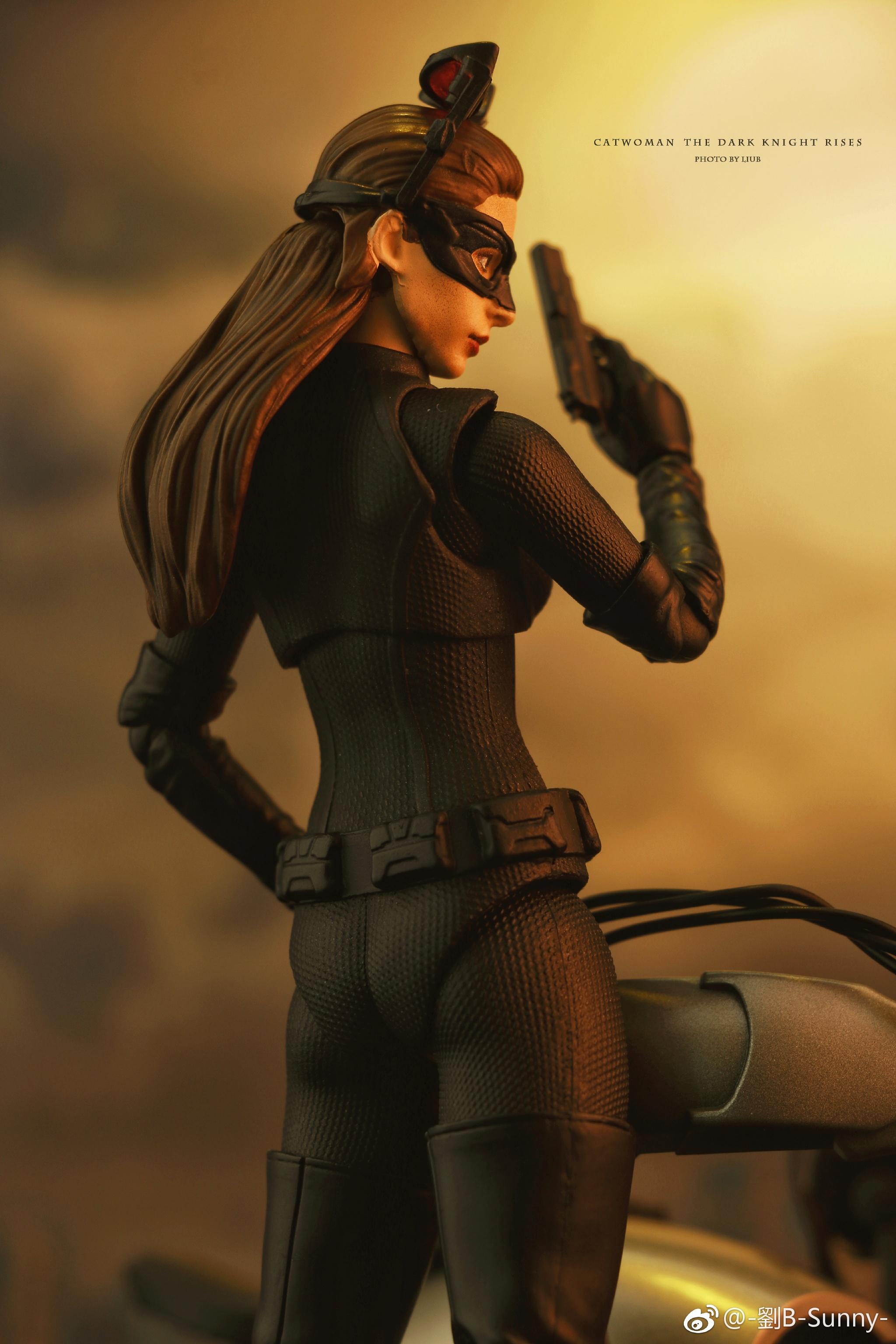Catwoman - Batman The Dark Knigh rises - SH Figuarts (Bandai) X7sn66el_o