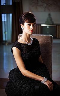 Olga Kurylenko M57pFEU4_o