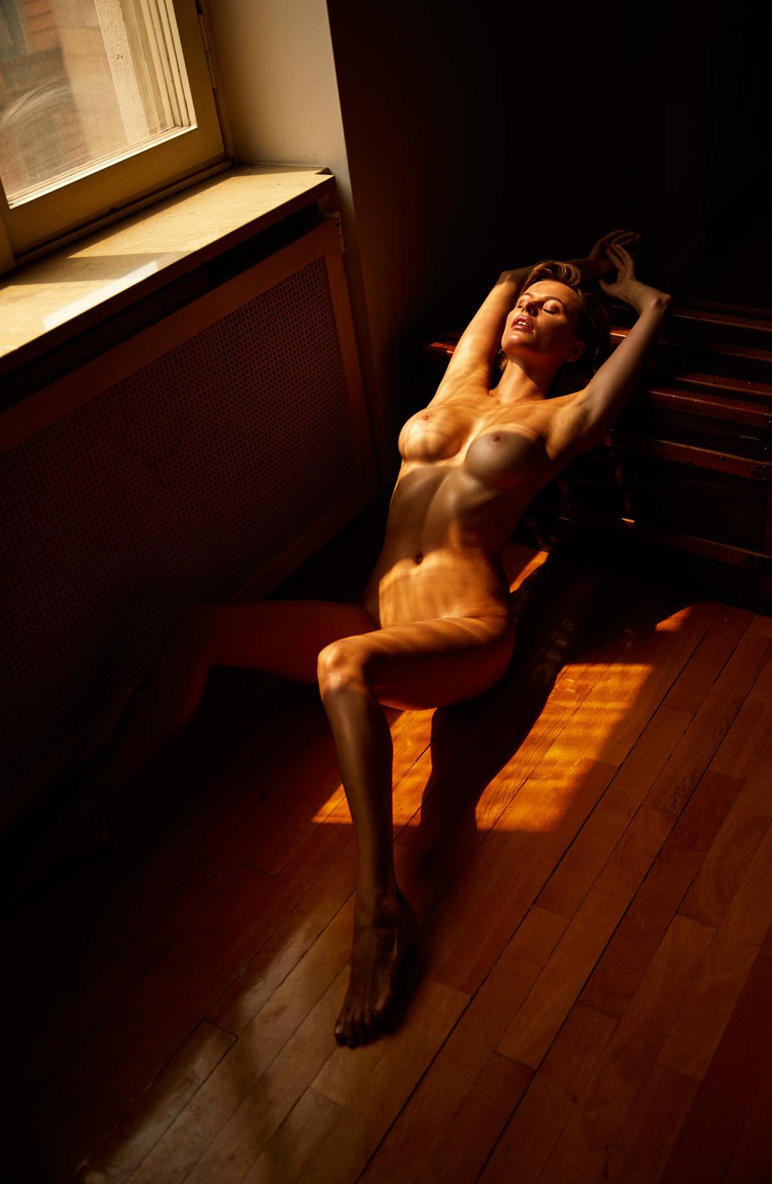 голая Ольга де Мар после наступления темноты / фото 18