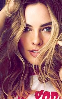 Margot Robbie Br9f4fE3_o