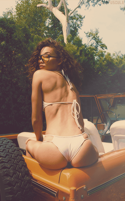 Ashley Moore - Page 2 BjnnPUzp_o
