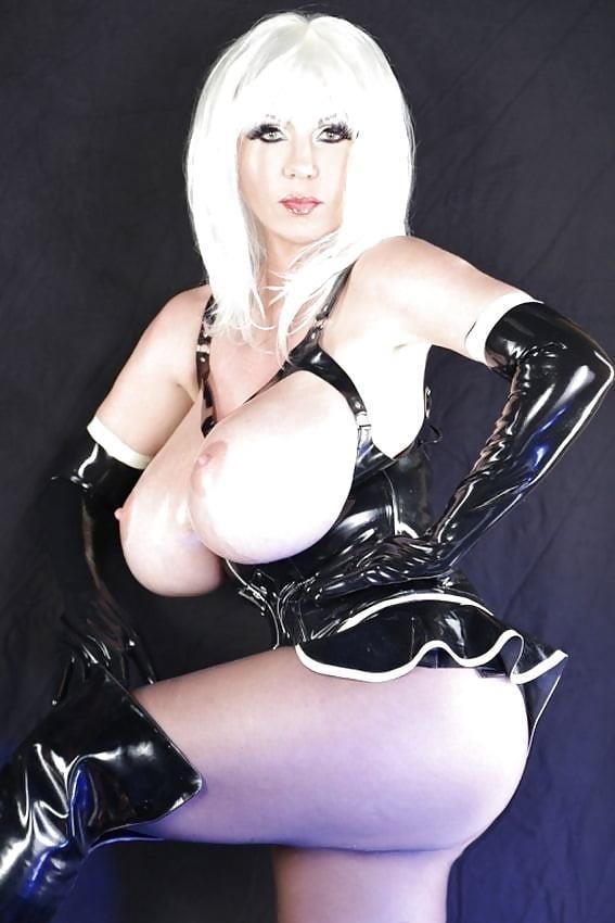 Latex big tits pics-7381
