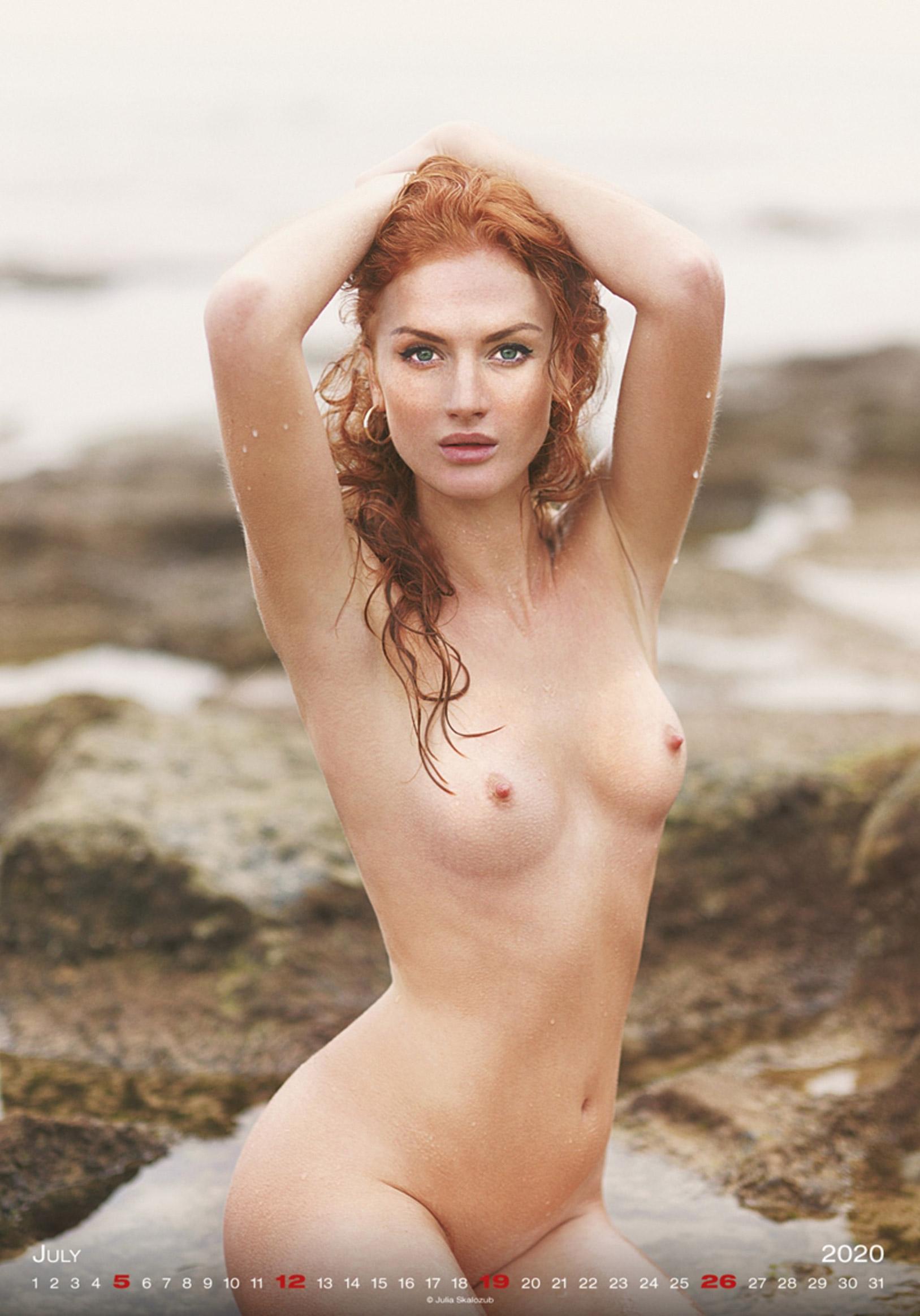 Сексуальные голые девушки в календаре на 2020 год, фотограф Юлия Скалозуб / июль