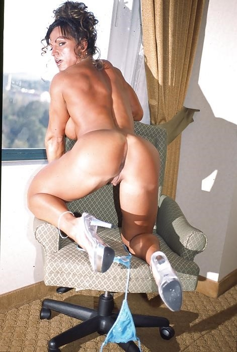Female bodybuilders with huge clits-3577
