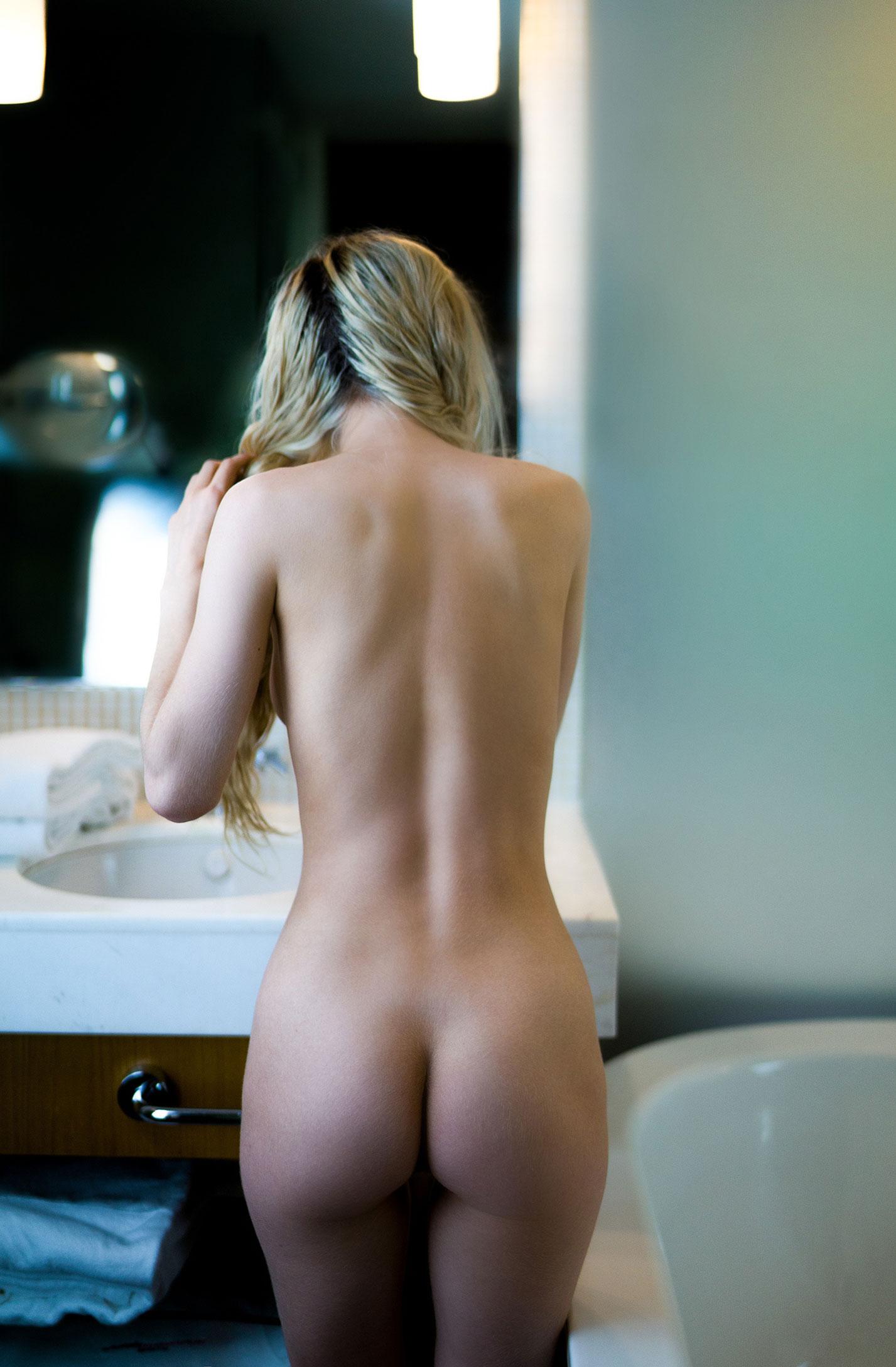 Александра Смелова принимает ванну / фото 09