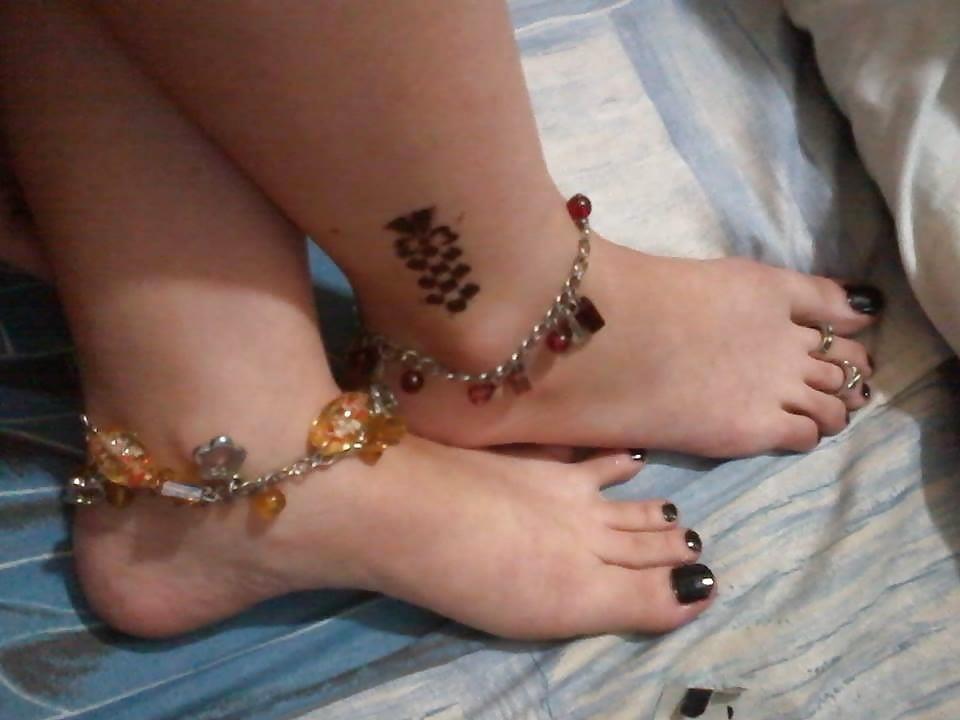 Nylon feet arab-1460