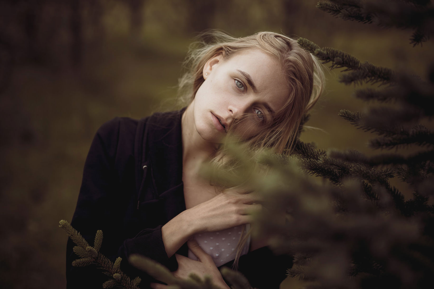 Яна Нагорняк гуляет по лесам и полям Исландии / фото 11