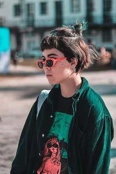 В модных очках