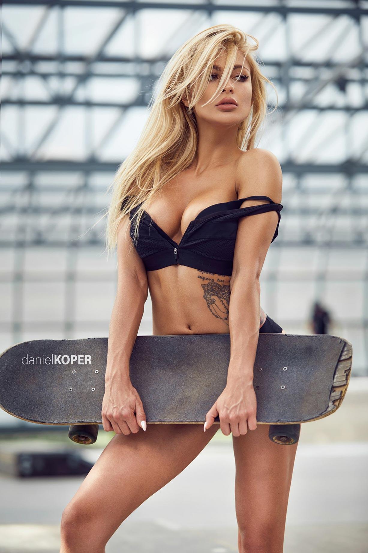 Sporty Girl / Patrycja Dyska by Daniel Koper