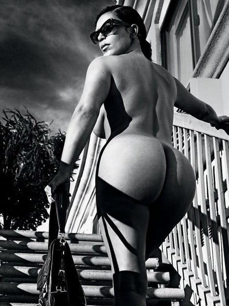Kim k nude pics-2710