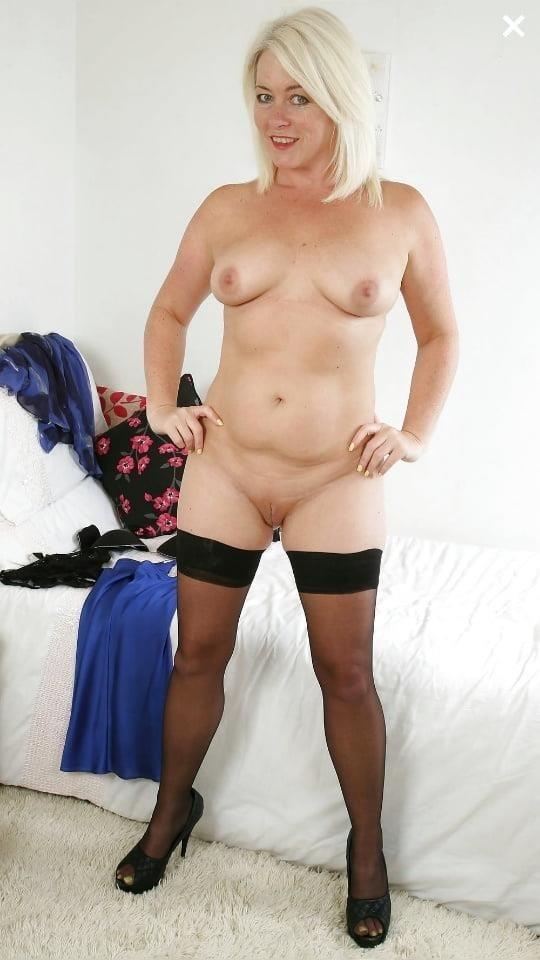 Mature high heels pictures-5488