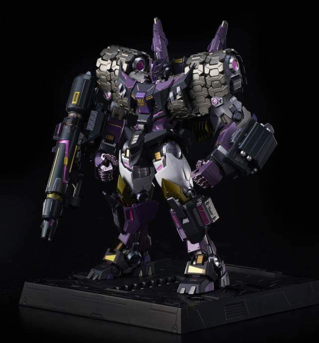 [Flame Toys] Figurines Drift, Optimus, Tarn, Star Saber, etc (non transformable - autorisé par Hasbro) - Page 2 SdVMAZAO_o