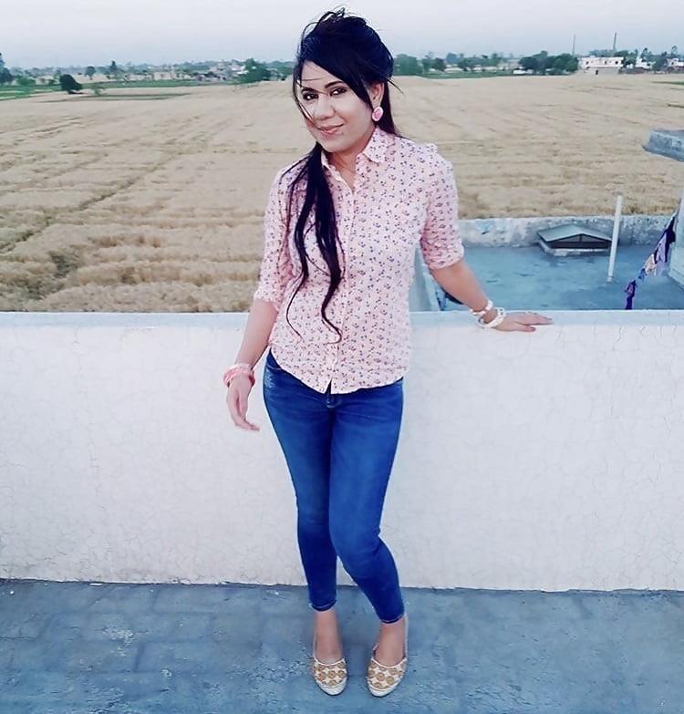 Sexy punjabi girls pic-5795