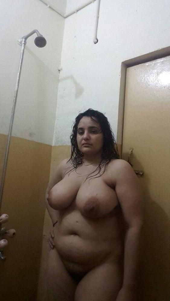 Big boobs lady pic-3404