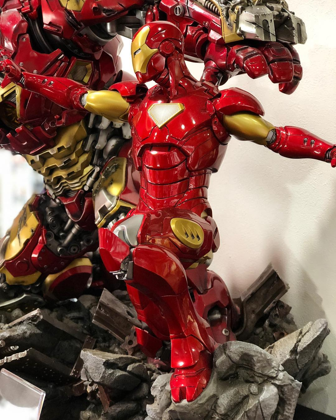 Avengers : Age of Ultron - HulkBuster Premium Collective 1/4 Statue (Hot Toys) 9GYDqBdz_o