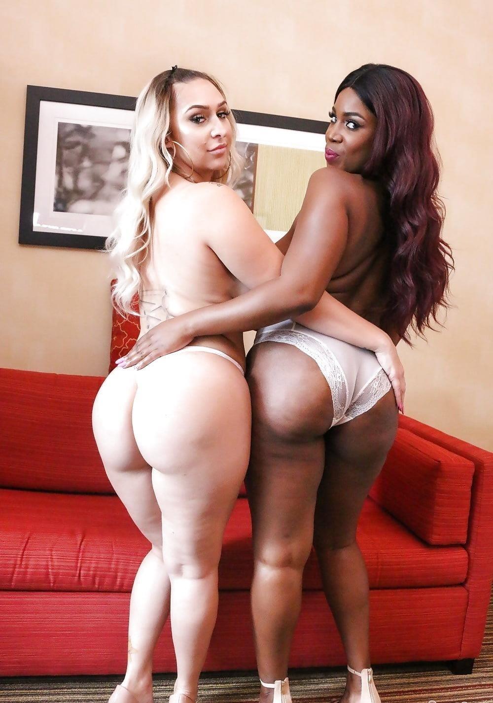 Curvy lesbian pics-9229