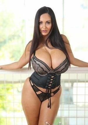Big milf tits pic-4399