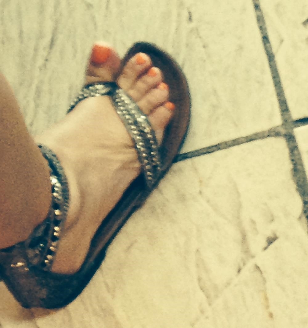 Long toes foot fetish-3223