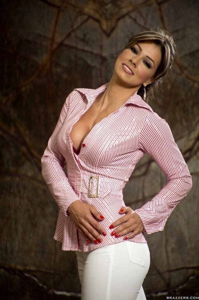 Esperanza gomez clit-5995