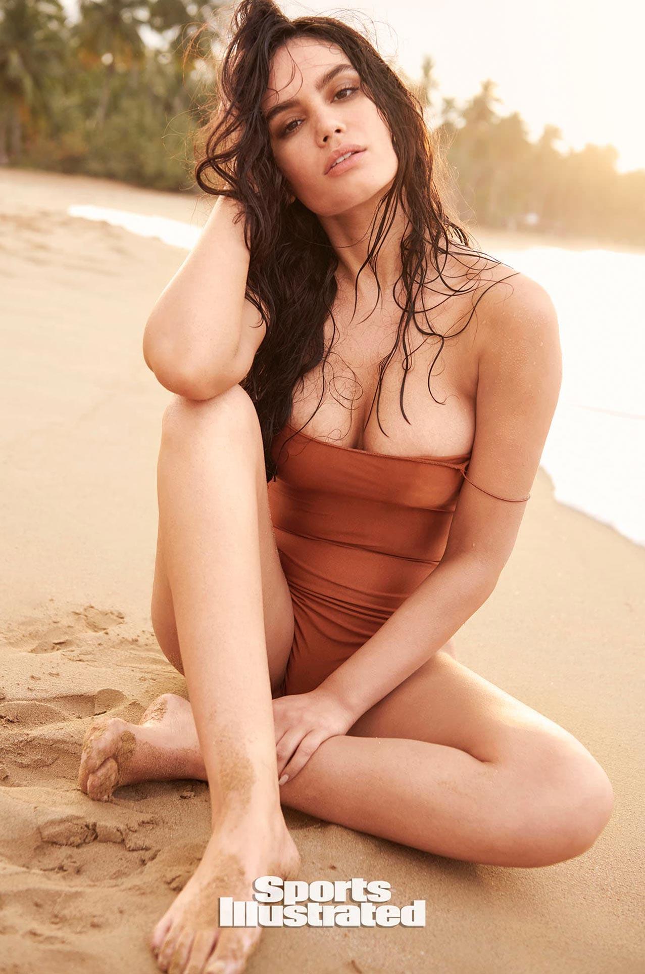 Энн де Паула в каталоге купальников Sports Illustrated Swimsuit 2020 / фото 03