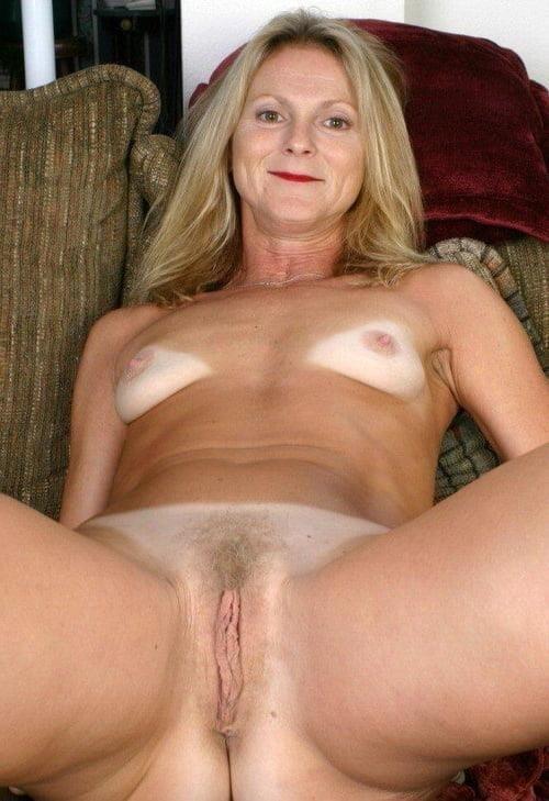 Beautiful naked women making love-6204