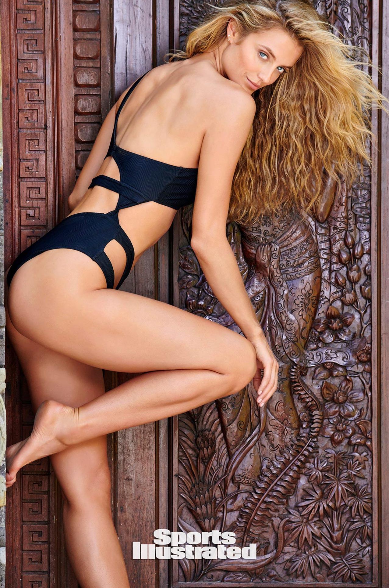 Кейт Бок в каталоге купальников Sports Illustrated Swimsuit 2020 / фото 12