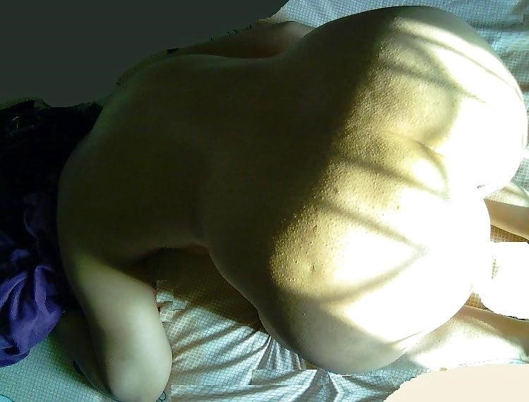 Nude beach sun bath-6431