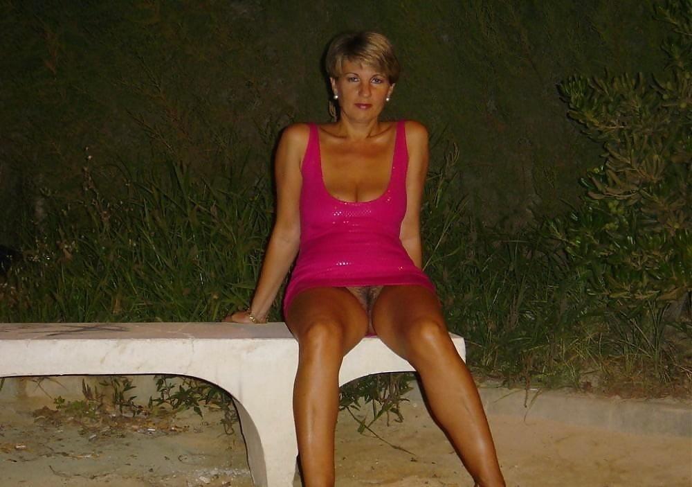 Public up skirt no panties-8111